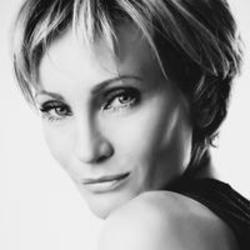 Besides George Ezra music, we recommend you to listen online Patricia Kaas songs.
