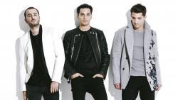 Listen Reik best songs online for free.