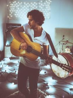 Besides I Prevail music, we recommend you to listen online Jack Savoretti songs.