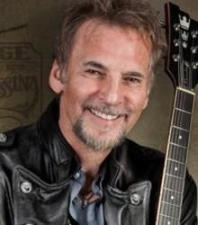 Besides Khalid music, we recommend you to listen online Kenny Loggins songs.