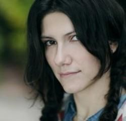 Besides Nadia music, we recommend you to listen online Elisa songs.